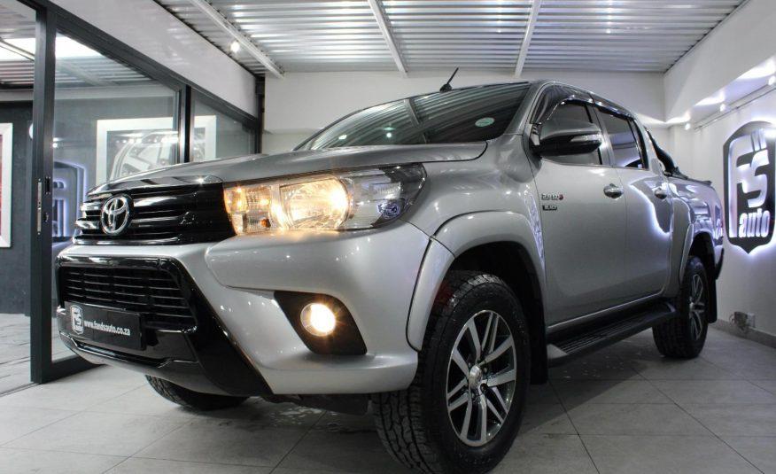Toyota Hilux 2.8GD-6 Double Cab 4×4 Raider 2017